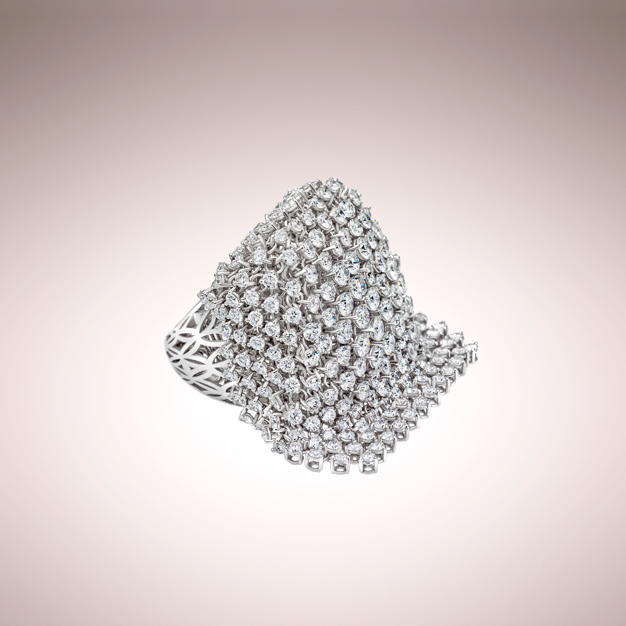 Diamonds cascade ring